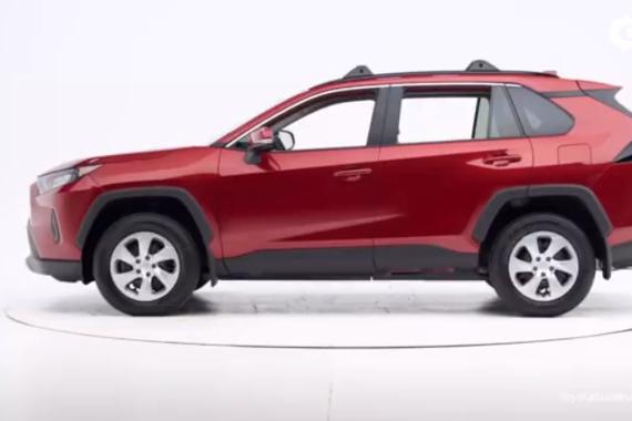 视频:保护更安全 丰田最新Rav4侧面碰撞测试