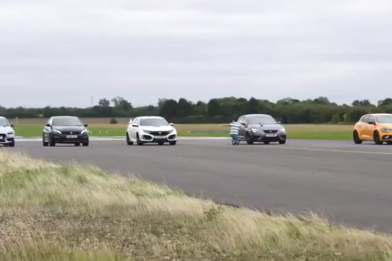 视频:钢炮对决:现代i30n、雷诺RS、西雅特Leon、本田TypeR