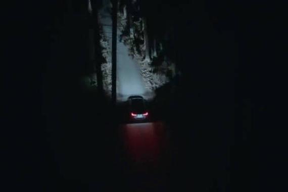 宝马脑洞广告:当自动驾驶车遇到女鬼