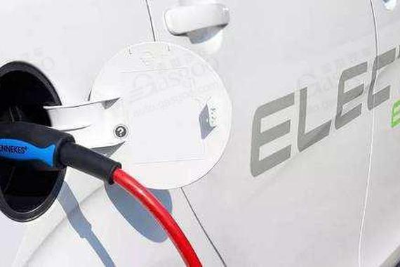 新能源乘用车上险量:1-10月累计71.3万辆 个人用户占52%