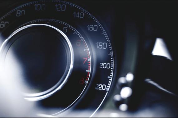 用户接受 技术成熟 智能电动汽车迎来爆发性增长