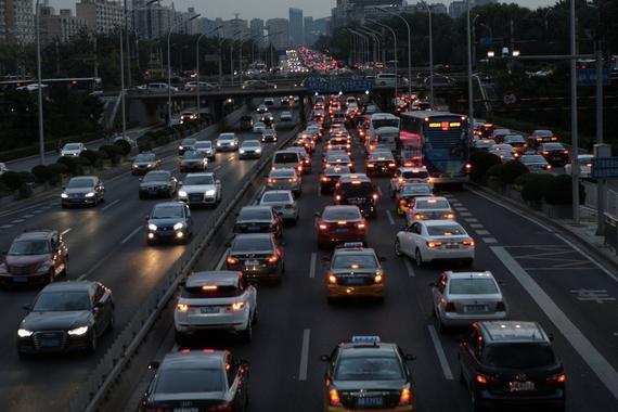 商务部鼓励各地增加汽车限购指标 限购政策要全面松动?