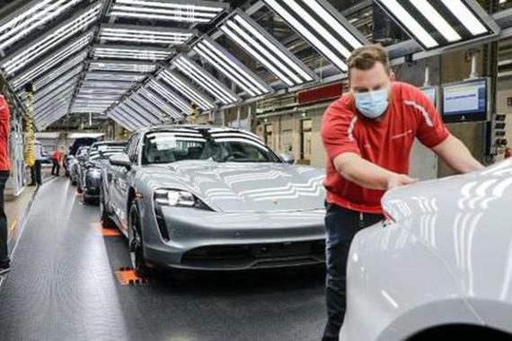 保时捷、法拉利欧洲工厂逐步恢复产能 全球超跑供应链即将重启