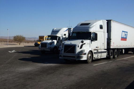 热浪 2045年前实现零排放 美国加州发布卡车排放新规