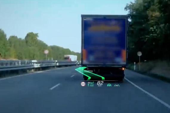 视频:奔驰全新S级 数字科技装配