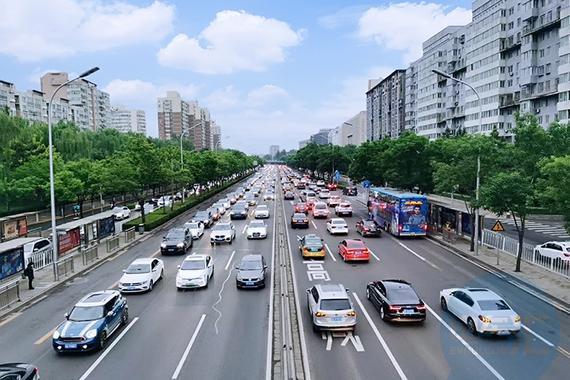 重庆拟推错峰通行 新能源牌照不受限制