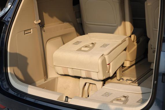 五菱凯捷第三排座椅收放便利性