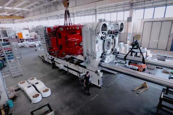 八台超级压铸机即将就位 特斯拉柏林工厂年产50万辆目标唾手可得