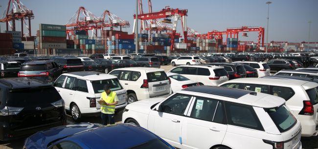 """受疫情、春节双影响1月汽车销量下滑18% 中汽协月销数据仅作""""预计""""统计"""