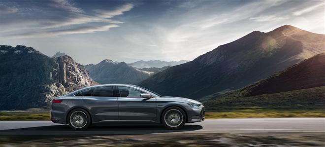 丰富车系 比亚迪汉DM加推四驱性能版尊贵型 补贴后售价23.98万元