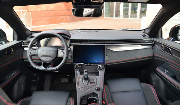 领克05轿跑SUV首发亮相 明年初上市或20万起