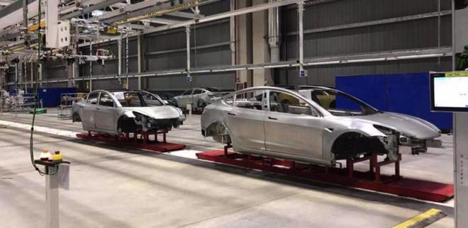 特斯拉上海工厂首辆白车身已经下线 10月14日正式开工量产