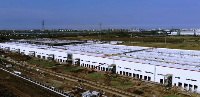 特斯拉上海工厂厂房建设完工 已在安装生产设备