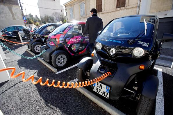 国际能源署:全球电动汽车已超300万辆 中国占40%