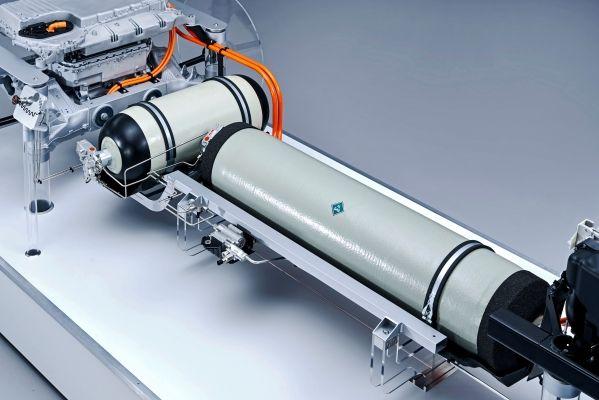充满一次电可跑2000公里 超高能量密度电池指日可待
