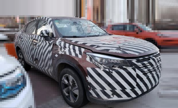长安轿跑SUV 1.5T内饰曝光 3月初上市