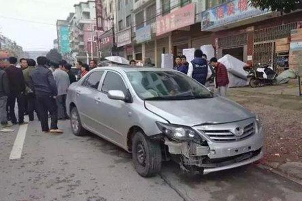 湖南警察驾无牌车肇事逃离 官方称已自首