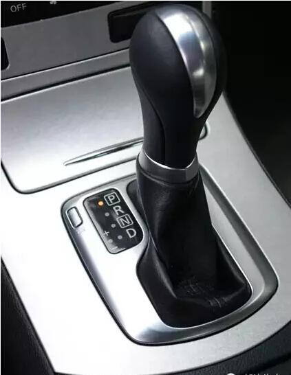 自动挡的车 红灯停车应该挂D挡还是N挡?_车猫网