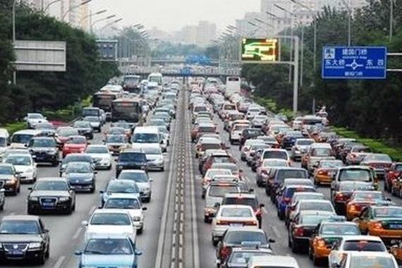 北京拥堵加剧 官方称因油价大跌和网络约车