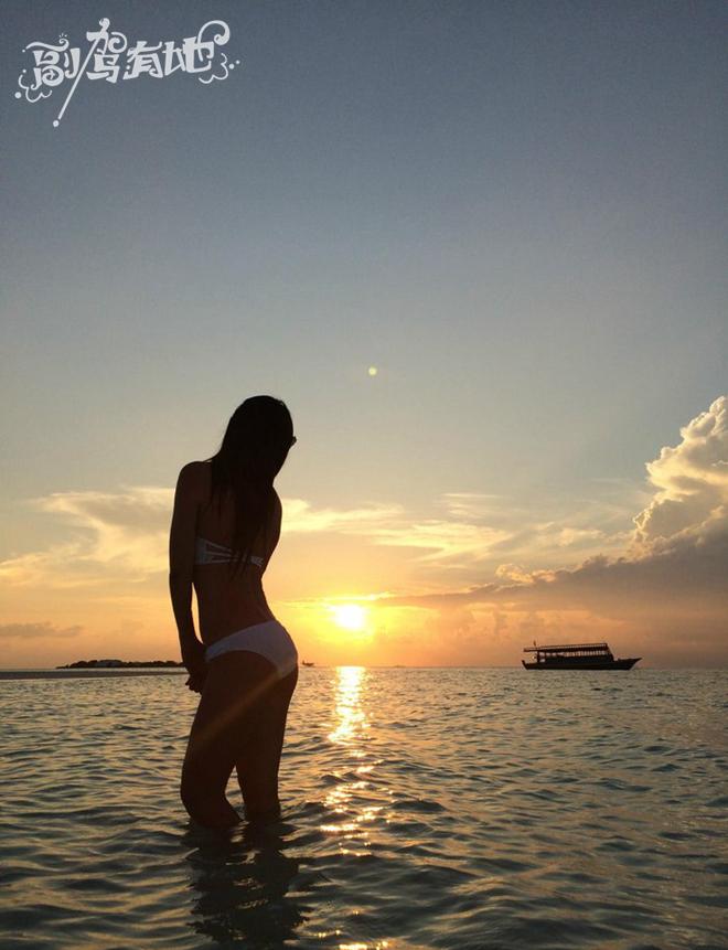 美女SHOWTIME美女海岛的风情情趣美艳丝袜的穿马累图片
