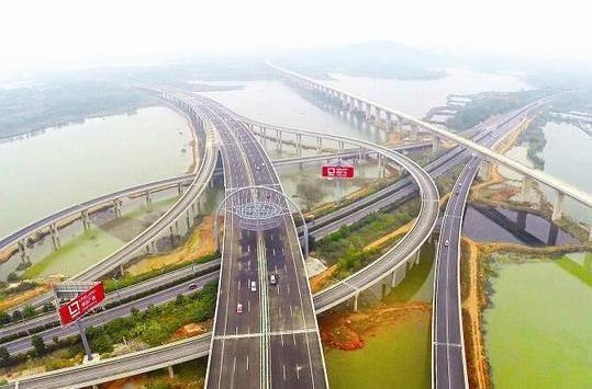 中国收费最高的5条高速公路 值这个价吗?