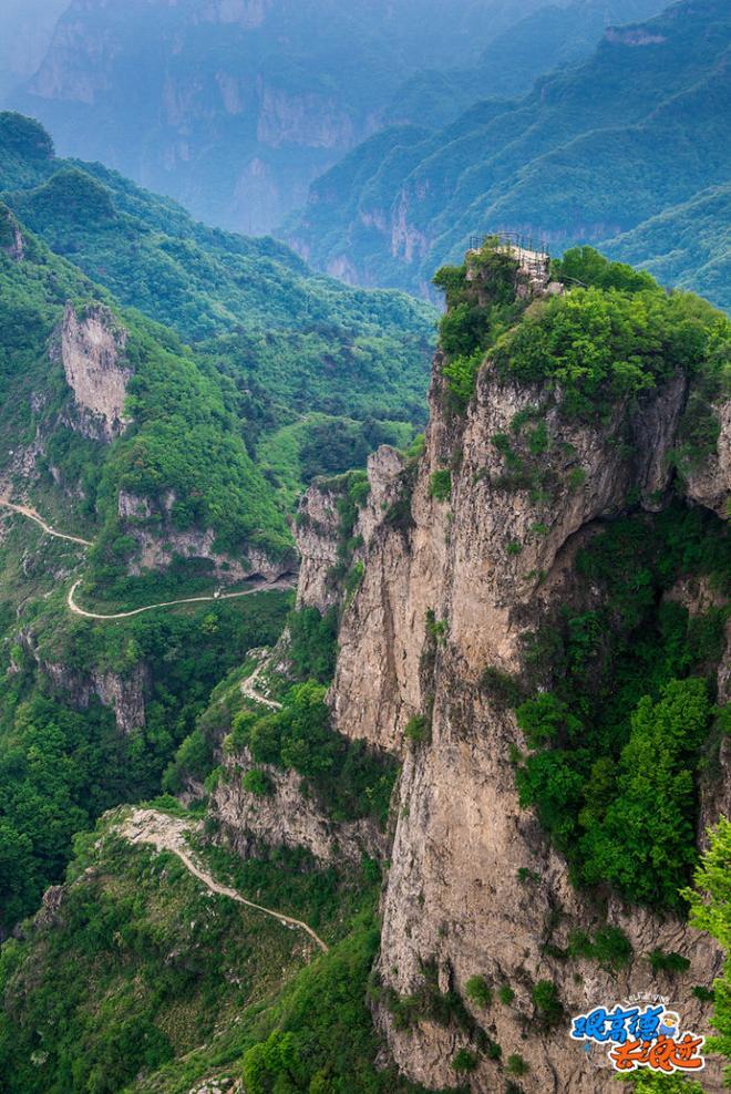 挂壁公路 驰骋在太行山的绝壁之上_车猫网