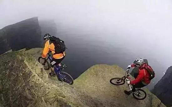自驾最危险的旅游景点!光看都感到发抖!