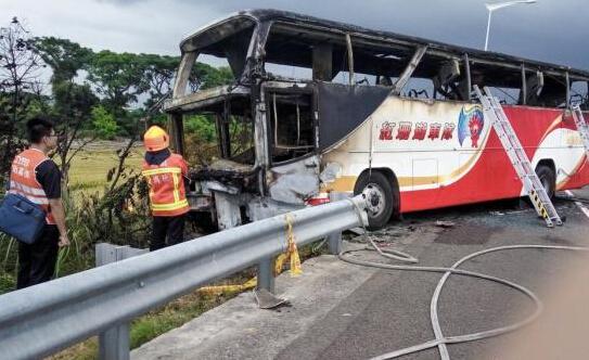 台旅游车事故司机酒驾 检方:不排除自焚