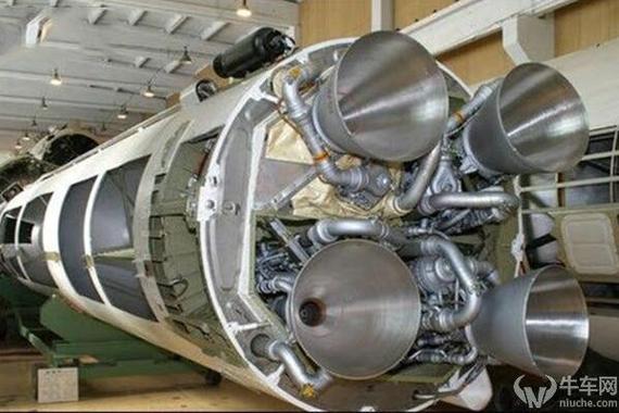 中国火箭发动机造的好 汽车发动机造不好