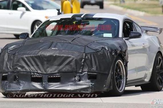 更野更快 福特野马 Shelby GT500谍照曝光