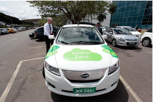 巴西大街上的车,都被国产车比亚迪占满了