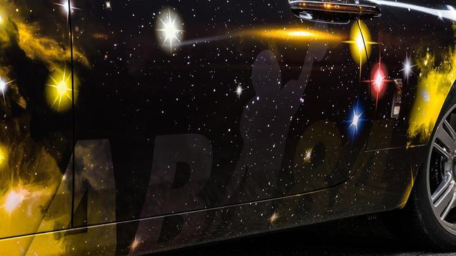 星空车顶还不够 沉浸在宇宙银河中的魅影