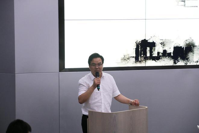 华泰汽车集团副总裁兼销售公司总经理解伟