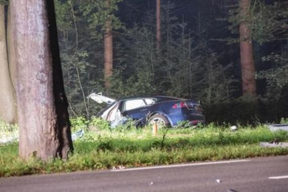 特斯拉再曝事故 荷兰司机当场死亡