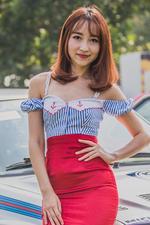 红唇和红裙最配哦