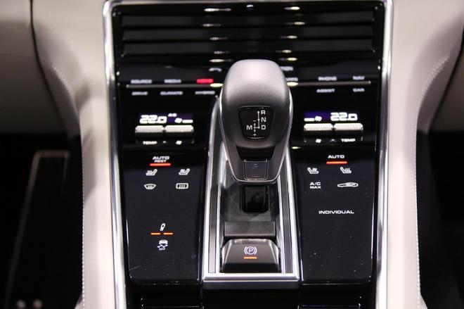 大众之夜:保时捷Panamera插电混动版亮相