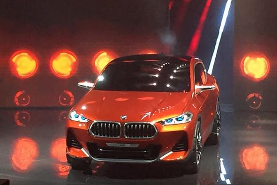 视频:巴黎车展 宝马X2概念车