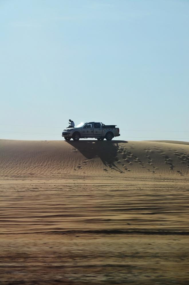 行者千里御风临沙 以车为家平稳周到走天涯