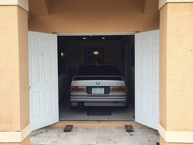 还有比他更爱BMW E30 M3的人么?