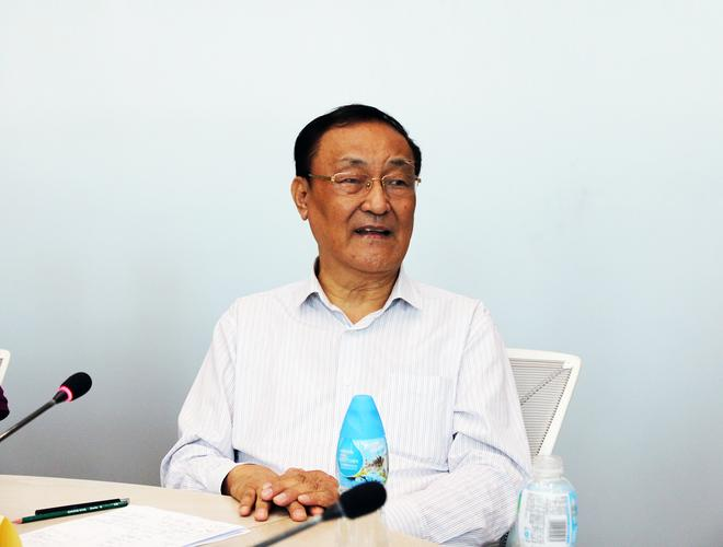 中国汽车工业咨询委员会主任 高级工程师 安庆衡