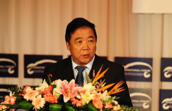 中国汽车工程学会理事长 付于武表示