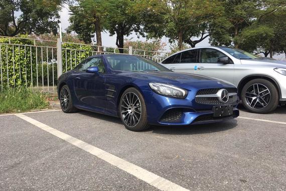 2016广州车展探馆:新款奔驰SL400实车