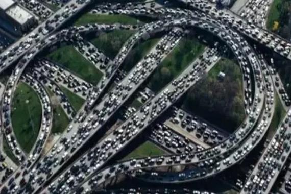 高速堵车不为别的,竟然是这些!