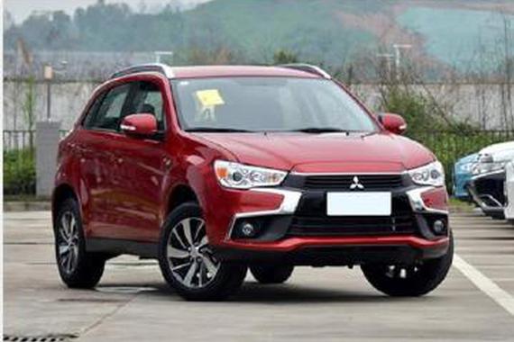 年轻人买车必看小型SUV 15万高颜值魅力