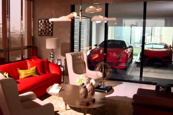 视频:日本富豪的车停哪?真是开眼界了