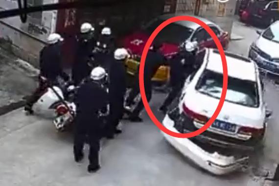 视频:你敢相信吗?违章司机太嚣张