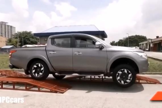 视频:2017款三菱Triton 耐久性测试