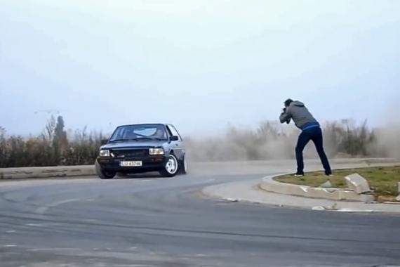 视频:都抢着给司机拍照?答案很简单