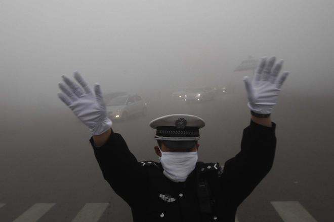 雾霾预警再度来袭 小客车限行规则不变-新浪汽车