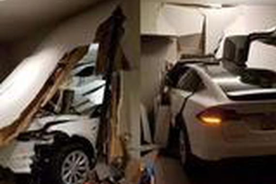 Model X车主起诉特斯拉,车子鬼上身、自己玩撞墙